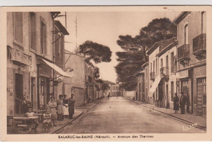 Very good lot of 60 old postcards of villages in France, animated