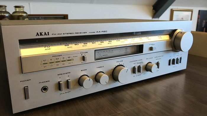 Akai AA-R20 AM/FM Stereo Receiver (1980-81) - Catawiki