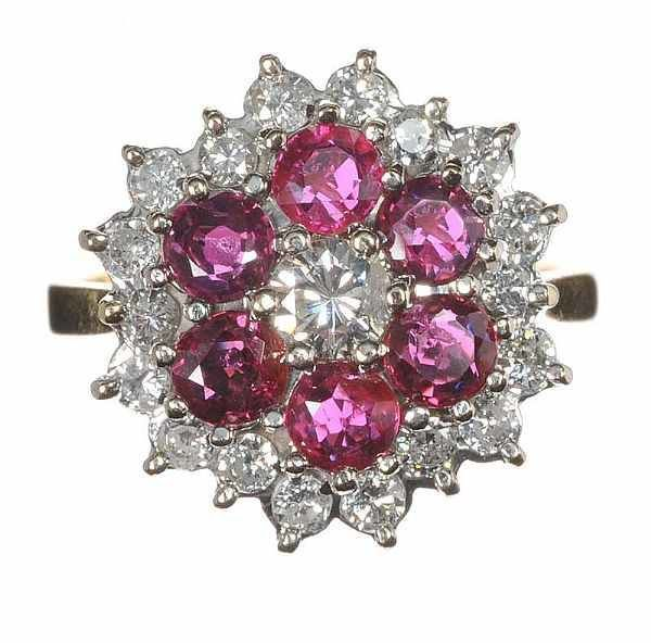 Cocktail ring set with rubies 1.80 ct and diamond's 1.00 ct -18 K Gold - 5,8 g