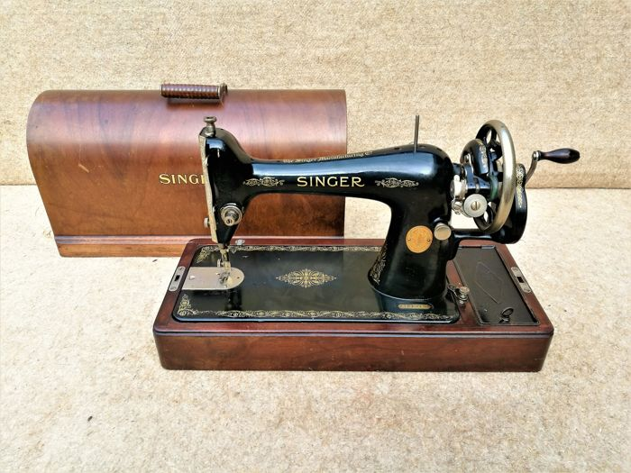 Singer sewing machine 66K from 1930