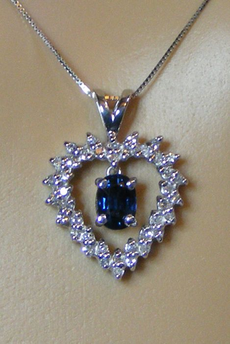 Gold necklace with an exceptional VVS1 blue Sapphire, unheated and 100% natural, and diamonds of 1.62 ct - necklace of 45 cm - Certificate of the GIA laboratory - No reserve price