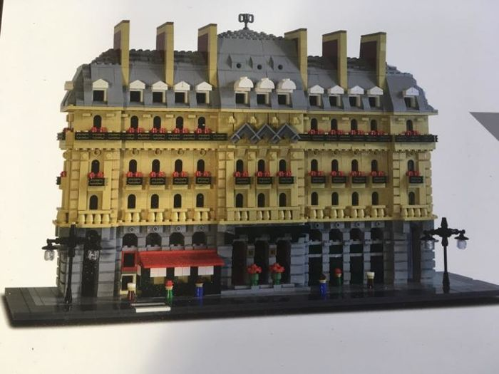LEGO Certified Professional - LEGO Paris Hilton Opera Hotel - Limited Edition -
