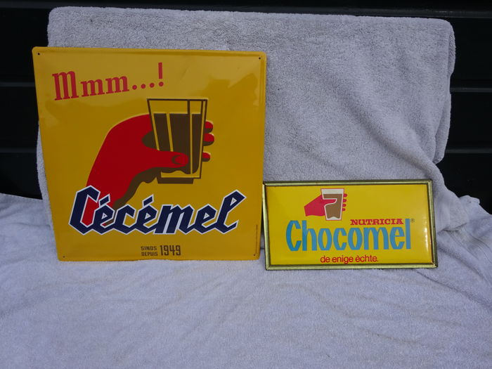 2 advertising signs metal / cardboard - Nutricia Chocomel - ca. 1980.