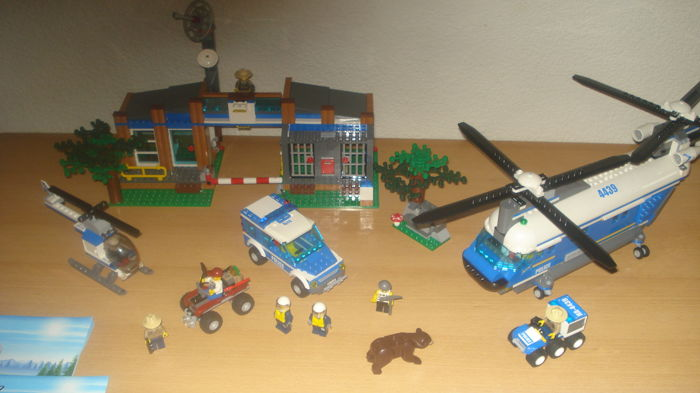 City - 4439 + 4440 - Heavy-Duty Helicopter + Forest Police Station ...