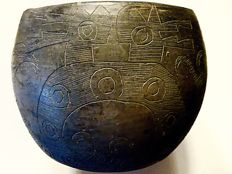 A Scarce Incised preColumbian Bowl from the Southern part of South America
