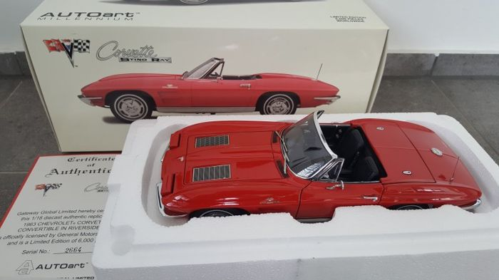 Autoart - Scale 1/18 - Chevrolet Corvette Sting Ray Convertible 1963 Riverside Red