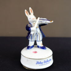 Sekiguchi Medori Bunny Playing the Violin      -      Music Box     -     Made in Japan.