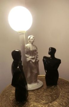 Sleek model - Black & White ensemble - table lamp set