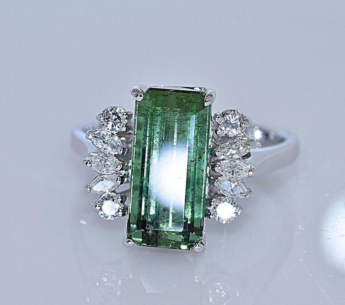 5.28 Ct bright green Tourmaline with Diamonds ring *Low reserve*