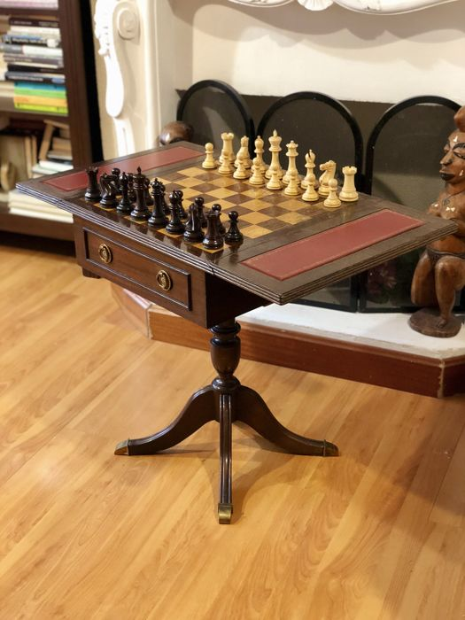 Victorian chess table with pieces Anderssen Rosewood style.