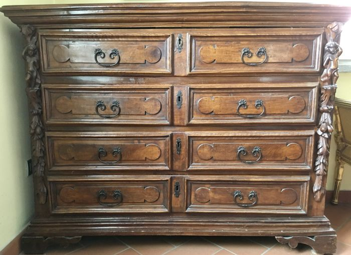 Antique walnut chest of drawers - Lombardy - 1700