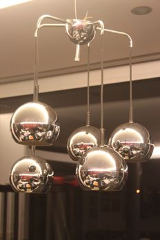 Space Age lamp, chandelier with 5 chrome spheres.