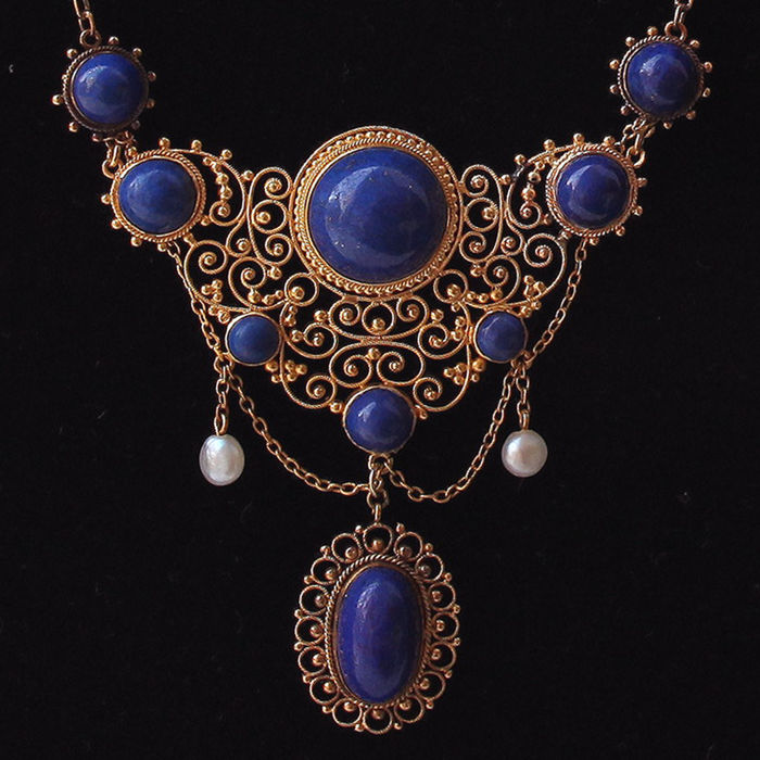 Choker with Lapis Lazuli and pearls