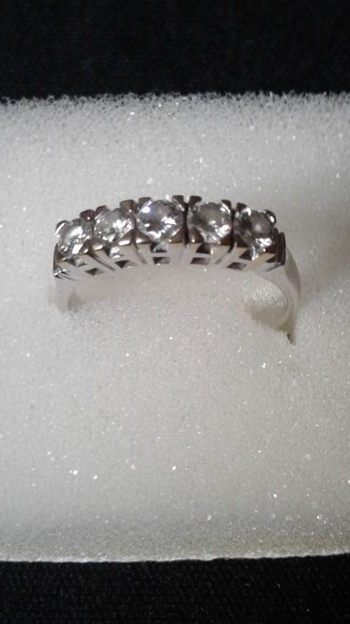 Half-eternity ring, Diamonds 1 ct, 2 white gold claws