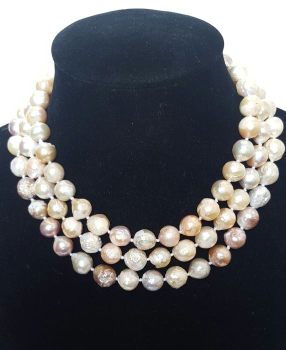 Long necklace of large freshwater cultured pearls in pastel colours - 128 cm