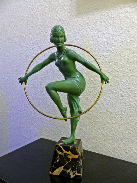 Dancer - original Art Deco sculpture