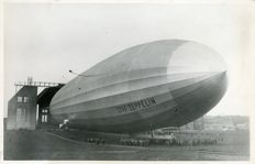 Unknown/Pacific & Atlantic - The Graf Zeppelin LZ 127, 1928
