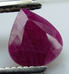 Red Ruby - 3.99 ct - IGE Certificate - No Reserve Price