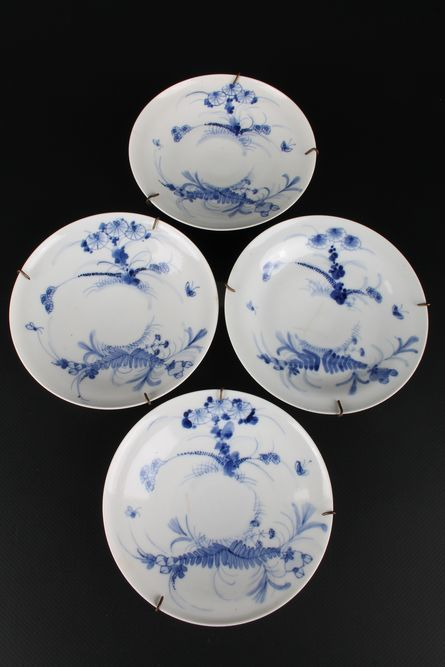 Hirado Mikawachi 4 bowls/plates with blue paintings – marked 'Dai Nippon Mikawachi zo' – Japan – end of the 19th century