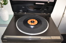 Technics SL-L1 direct drive tangential turntable