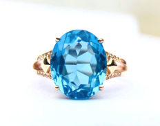 750 gold ring with Topaz 6.0ct. and diamonds size 52.5mm -Free resizing