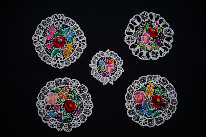 Kalocsai lace collection, hand made Richelieu embroidery - Hungary - about 1950