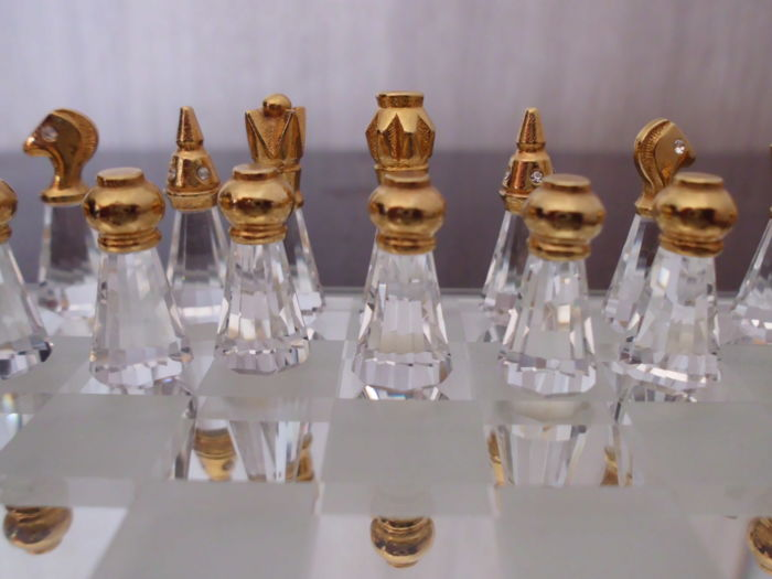 Chess set in crystal finished with silver & gold-coloured accents