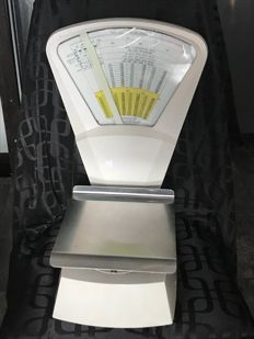 Compagnie Poste Canada - Old weighting scales