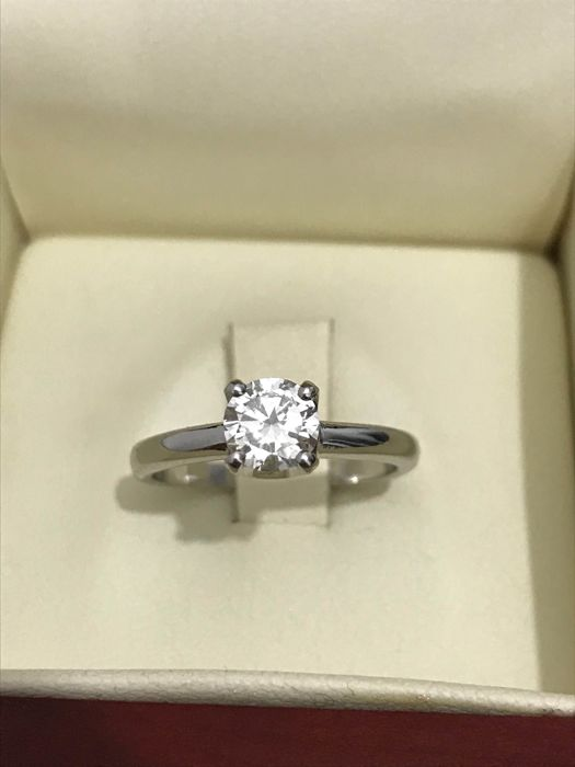 Solitaire ring in 18 kt gold with 0.69 ct diamond - Size 14 IT (54)