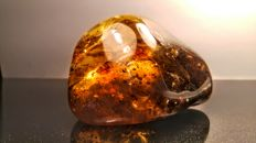 Raw Honey colour Genuine Baltic Amber piece - 8 x 5 x 4 cm - 102 gm