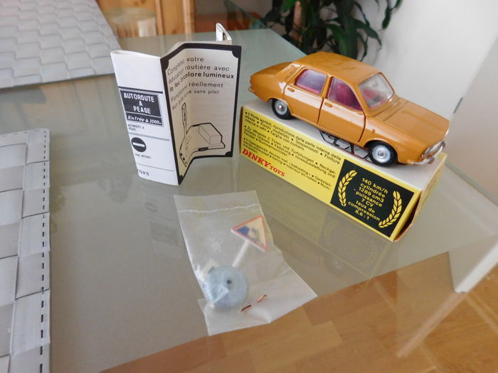 Dinky Toys - # 1424 - Renault 12 TL