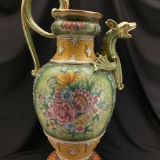 Extra Large Gialletti Deruta majolica vase with dragon - 66 cm