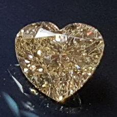 1,05 ct Natural Fancy Brown Heart Diamond SI1