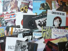 "1980's to 1990's Pop, Singer Songwriter, etc. - Lot of 30 7"" singles (various labels 1980-2000) - various countries of press"