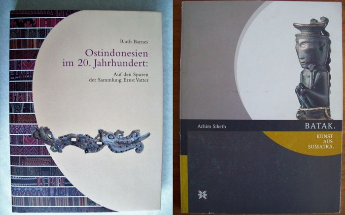 Lot with 3 books on tribal art from the Indonesian Archipelago.