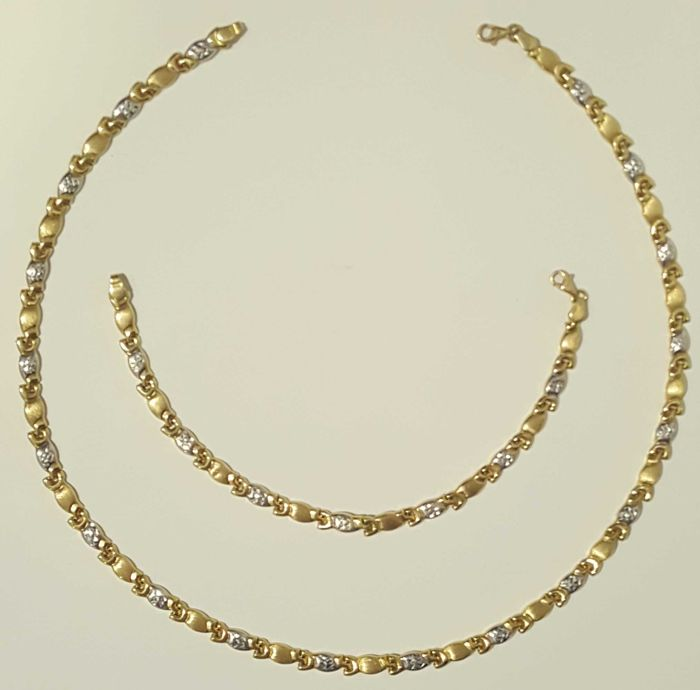 Choker and bracelet made of two-tone 18 kt gold, weight 18.52 g