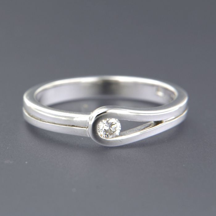 LeChiC – 14 kt white gold ring with a brilliant cut diamond, approx. 0.10 ct TW VS/SI - 17.25 (54) ****No Reserve Price***