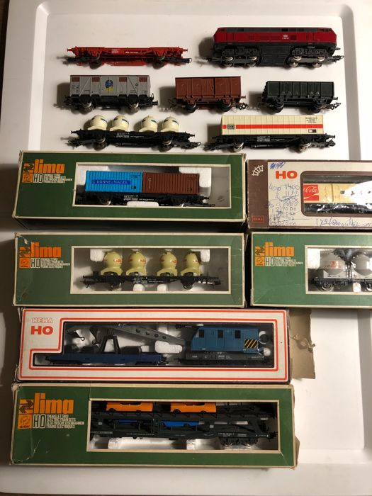 Lima H0 - 1544/1450/2803/2842/2851 - Diesel locomotive, Freight carriage - V160 en wagens - DB