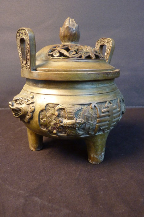 Bronze incense burner - origin: China - late 20th century