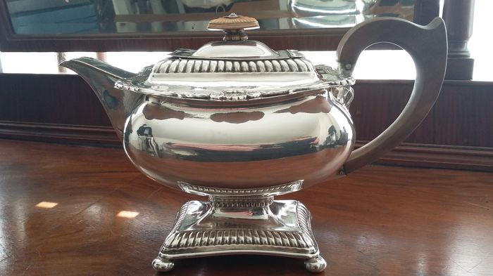 Old sheffield teapot with stand incorporates immaculate condition madein england.