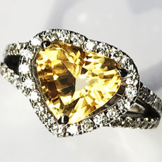 3.94ct Citrine and Diamond ring, 18 kt white gold, size 52mm, US 6 - NO RESERVE -