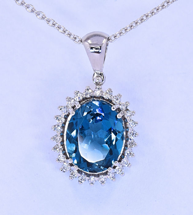 3.82 ct London Topaz with Diamonds necklace *No reserve price!*