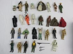 Star Wars collection of 28 toys : Darth Vader , Stormtroopers ,