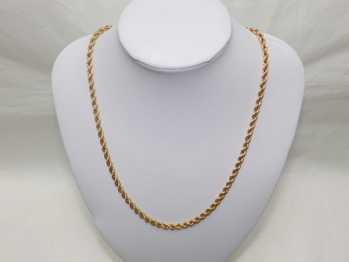Cord-type necklace in 18 kt gold