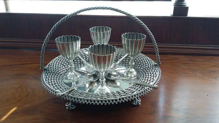 Buxton & Russell 1852/1861 antique sheffield silverplated set Egg Cups And Handled Tray .made in england.