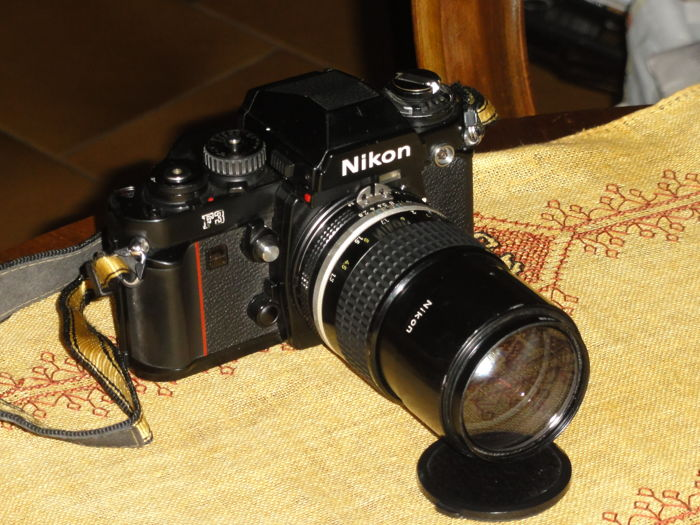 NIKON F 3 with NIKKOR 135mm 1:2.8
