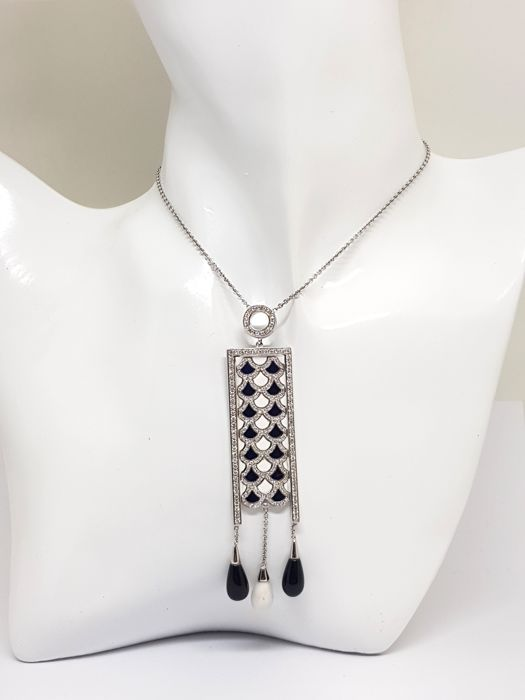 Necklace / Diamond & Mother of Pearl Pendant 2,35ct.