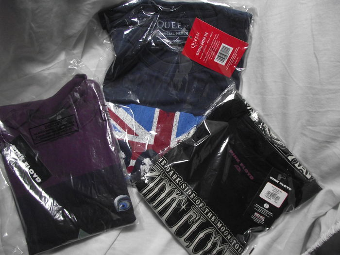 05383642433 Two great Pink Floyd T shirts plus one Queen T shirt