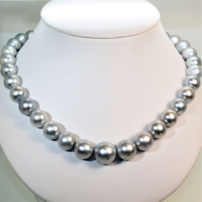 Hudge necklace Ø 12x16,5mm - Southsea cultured pearls round - 925Silver clasp