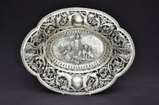 Oval fruit bowl in silver 935, from the 19th century and of German origin